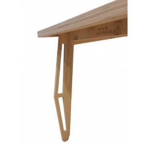 Stół lakierowany